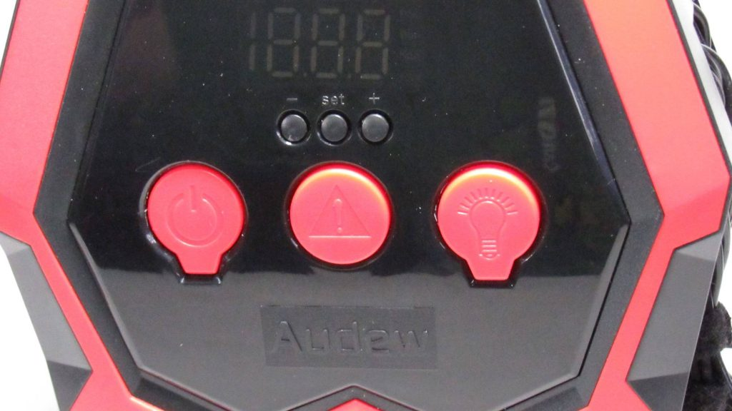 Closeup image of Audew Air compressor buttons and display